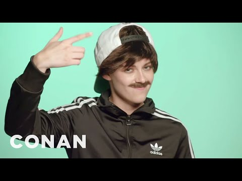 Kristen Stewart Channeled Bieber For Jenny Lewis  - CONAN on TBS