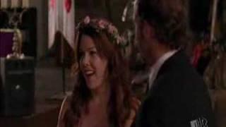 Luke and Lorelai dance