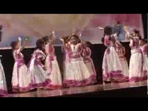 Meenu dancing Poghi pongal song -Thalapathi movie