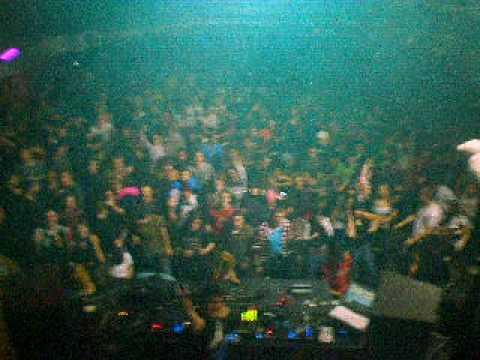 CHARLES RAMIREZ LIVE AT TXITXARRO CRAY1LABWORKS PARTY 05-12-08.AVI