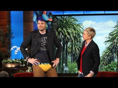 Joel McHale Loves the Seahawks