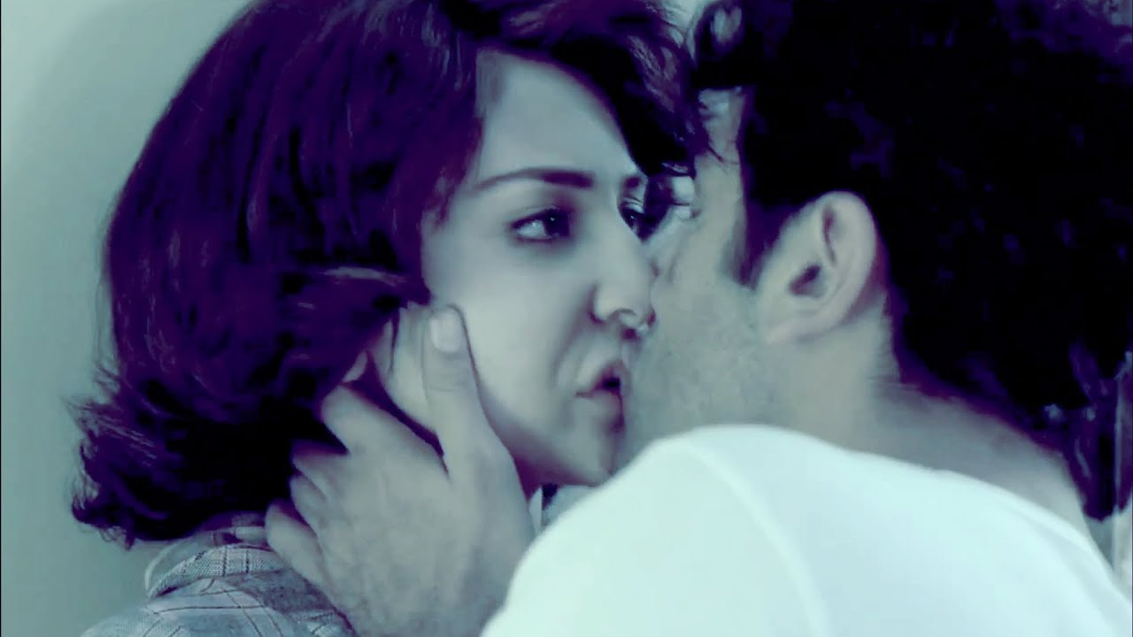 Velvet Kiss Wallpaper Kissing in Bombay Velvet