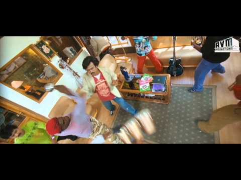 Sivaji the Boss - Rajini Style: Fight Scene at Music Store