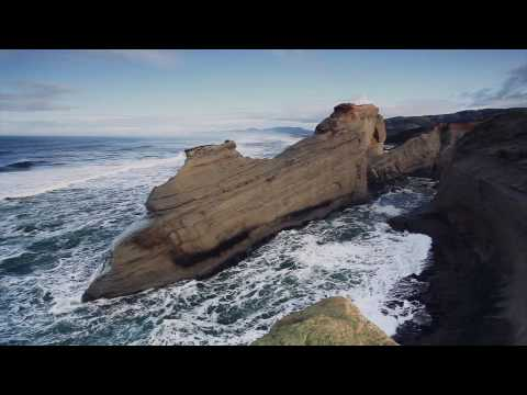 Cape Kiwanda -- Pacific City, Oregon [HD]