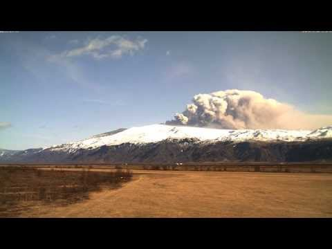Thumb Eyjafjallajokull volcano eruption in time-lapse