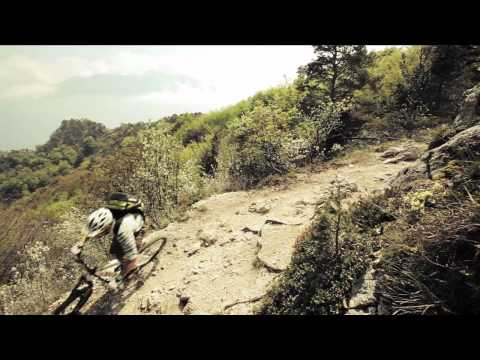 ROTWILD rider Richie Schley and Manfred Stromberg enjoy the fascination of Enduro riding