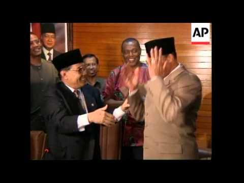 INDONESIA: JAKARTA: PRESIDENT SUHARTO MEETS US ECONOMIST