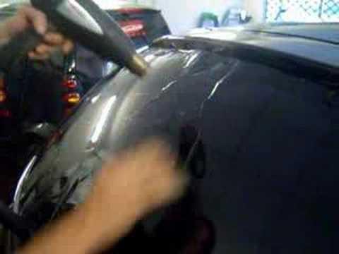 Pose De Film Sur Une Lunette De Nissan Micra video