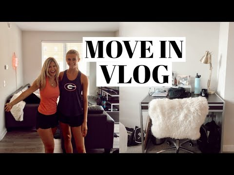 COLLEGE MOVE IN VLOG | road trip, decorating, meet my ROOMMATE!