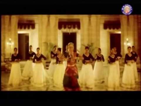 Chinna Chinna Kiliye - Prashant & Simran - Kannethirey Thondrinal video