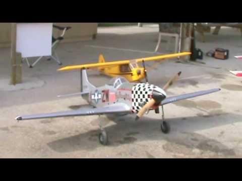 Top Flite GIANT R/C P-51 MUSTANG ARF