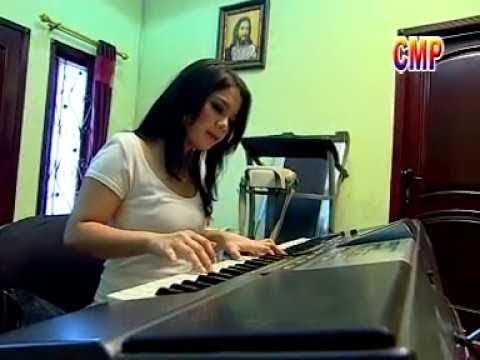 Gretha Sihombing - Sementara Marsiboan Dalan Na (Official Lyric Video)
