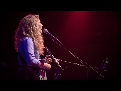 Caroline Smith And The Good Night Sleeps - Half About Being A Woman