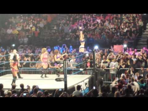 TNA uk tour 2014 birmingham nia velvet sky ring entrance
