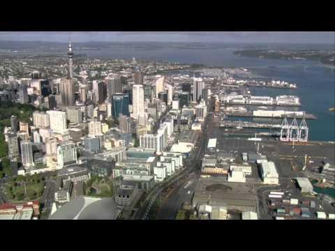 2015 IRONMAN 70.3 Auckland Event Highlights