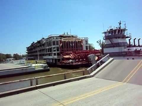 Mississippi Queen paddle boat heading to junk yard