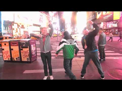 Fandangoing in Times Square 04/08/2013