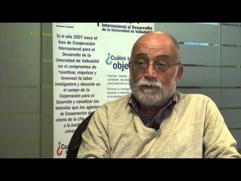 Arcadi Oliveres entrevistado por el Area de Cooperación de la UVa