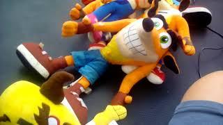 Conker the squirrel reviews crash bandicoot toys!!🍫🍫🔫💸