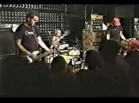 Blink 182 - Genie In A Bottle Live