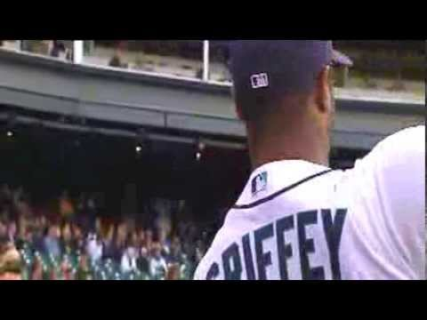 Teammates, Legends Share Stories on Ken Griffey Jr.