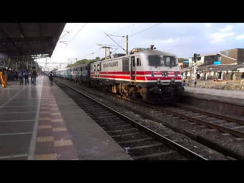 Mumbai Bound Wap-5 Janta Express Musical Entry Into Palghar! video