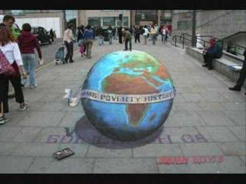 Julian Beever-Sidewalk Chalk Drawings