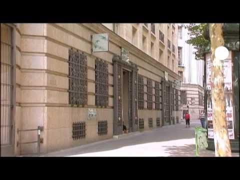 Barclays cuts jobs, BNP Paribas' profit disappoints
