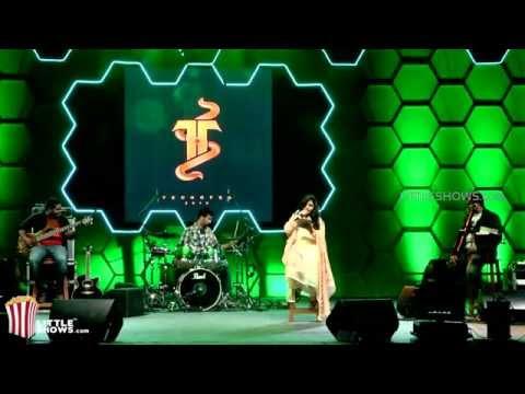 Saindhavi Concert - Maduraikku Pogathadee Techofes 2015 video