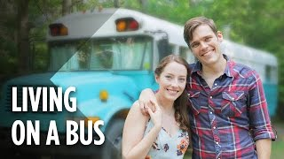 This Couple Lives In A Bus To Escape Chicago