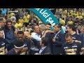Obradovic kupa töreninde Ali Koç'u kolundan çekerek yanına alıyor :)