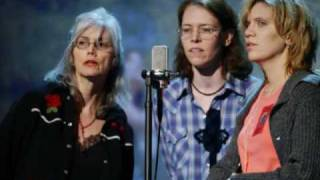 Watch Emmylou Harris Didnt Leave Nobody But The Baby video