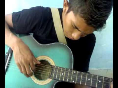 video gitar melodi bombana  mengintai dari kamar