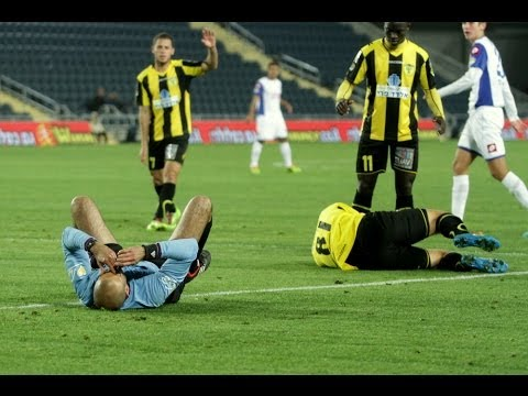 Only in Israel - The referee tackles the striker