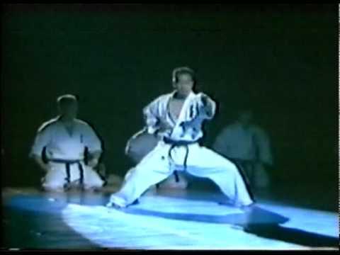 Kata Sushiho Tameshiwari Wokt Kyokushin Karate Kenji Midori