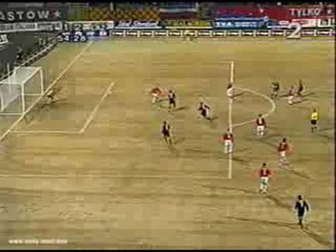 Bramka Enrico Chiesy na 1:2 w meczu Wis�a - Lazio.