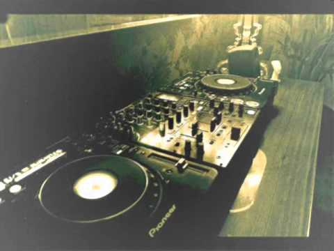 Soulful vocal house dj mix soul classics playlist for Soulful house classics