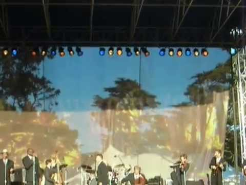 Lyle Lovett Performs choke My Chicken At The Hardly Strictly Bluegrass Festival 10-09 video