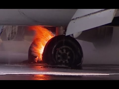 Video: Boeing 737 catches fire upon landing at Moscow airport