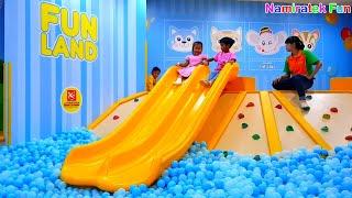 Balita Lucu Suka Bermain Playground Mainan Anak Naik Odong Odong Balon & Mandi Bola Terbesar