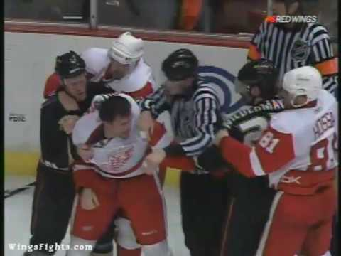 Pavel Datsyuk Vs Scott Niedermayer, Brian Rafalski Vs Corey Perry 05/12/09 Video