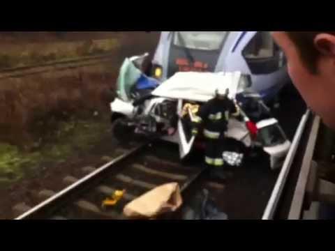 Tragiczny wypadek w Teresinie ED74 pociąg vs samochód