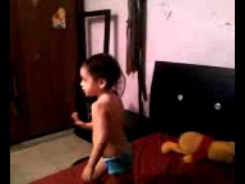 sophia kami jugando con hi5