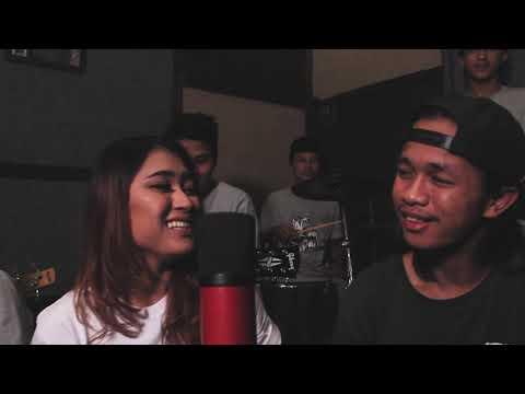 Download LIA BAPER??? PENAK KONCO - Cover by LIA AMELIA BP5 ft KOPI PAIT Mp4 baru