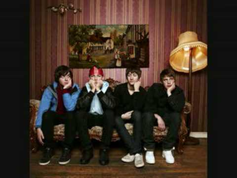 Arctic Monkeys - Put Your Dukes Up John