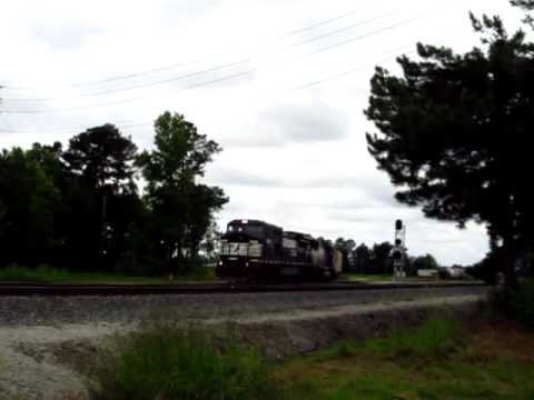 NS  #8369 Switching In Selma, With P5 Horn!!