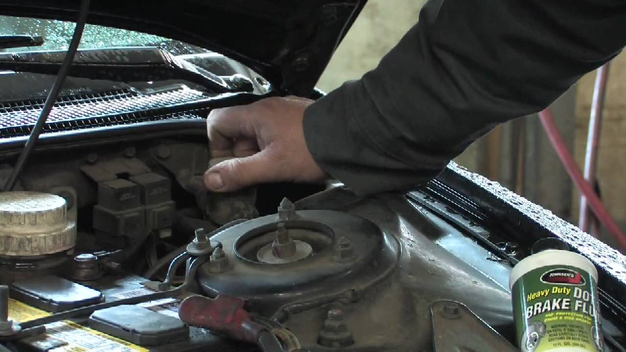 Car Maintenance How To Replace Clutch Fluid Youtube