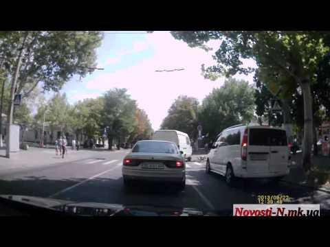 Видео Новости-N: В Николаеве велосипедист попал под Газель