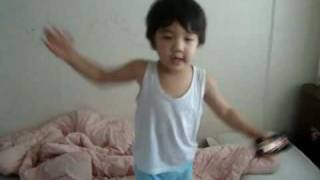 【SHINee Hello Baby Yoogeun】〖100604〗dancing to Ring Ding Dong Part 2