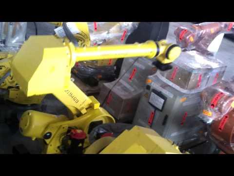 Fanuc R2000iA-125L industrial robot with Rj3iB controller at reprobots.com